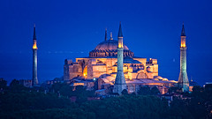 Blue hour at Hagia Sophia (Sonja Blanco) Tags: santa blue azul turkey trkiye sofa hour hora mezquita sonia sophia istambul turquia estambul hagia ayasofya mzesi bosforo constantinopla justiniano sonjabanco