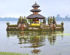 Pura Ulun Danu Bratan (~Jek~) Tags: bali indonesia geotagged temple pura idn lakebratan danaubratan candikuning puraulundanubratan geo:lat=827561231 geo:lon=11516642153