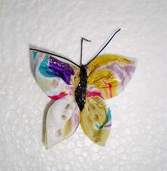 Projeto Solidário VI-Elas que fizeram dando asas à imaginação (rosaestilosa) Tags: butterfly broche handmade pano artesanato craft borboleta fuxico imã tecido chaveiro solidariedade retalho