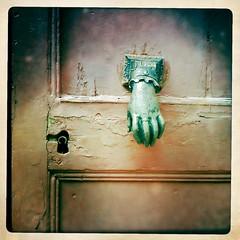 Hand On The Door (4mediafactory) Tags: door hand porte auvergne doorknocker salers cantal johnslens hipstamatic inas1969film handonthedoor