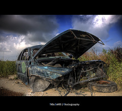 Rent a car (Feo David) Tags: blue sky nature grass car wheel clouds canon eos us ruins gm iron texas unitedstates voiture 5d destroyed hdr ruines epave detruite