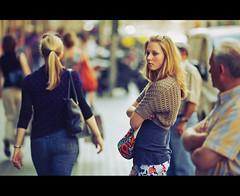 The Crossing Arms (Alvarictus) Tags: street girl candid scene attitude cinematic robado crossingarms debrazoscruzados updatecollection