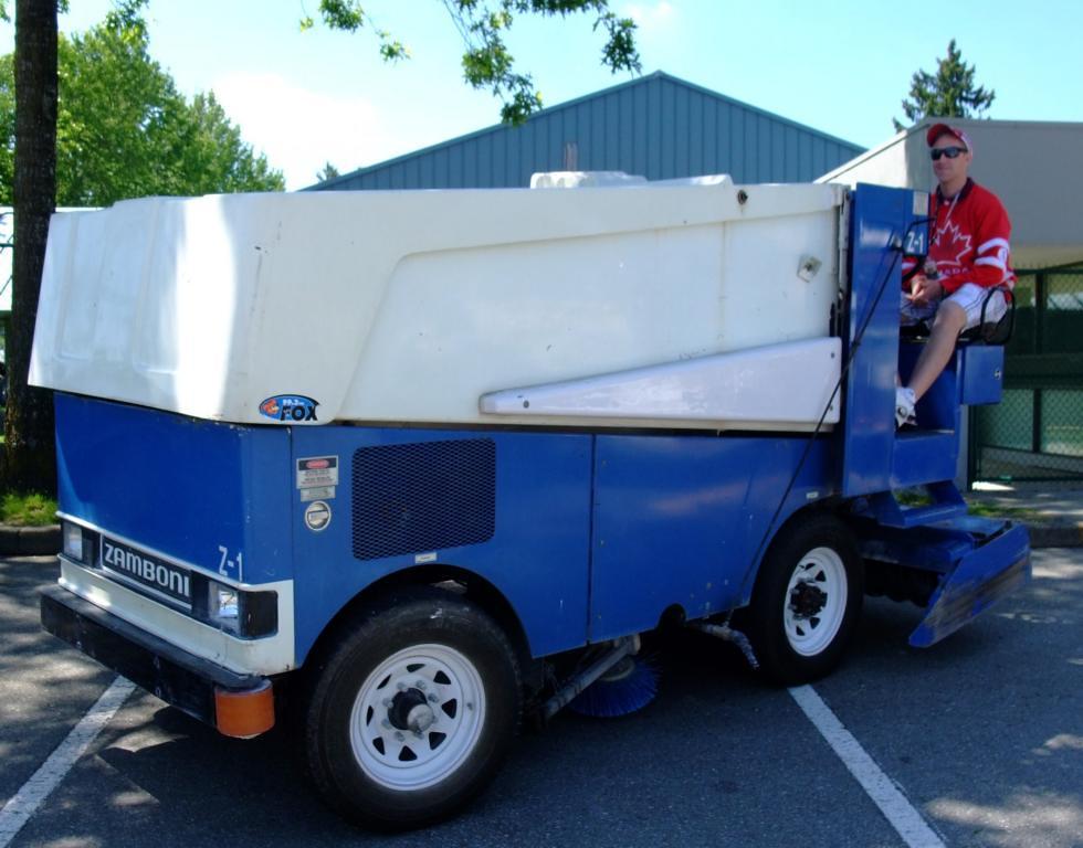 Zamboni 545, the ultimate Ice Resurfacing  Machine, DOHC and 4 wheel drive