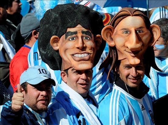 Mundial Sudáfrica máscaras Maradona Lionel Messi