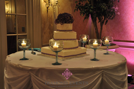 Wedding cake at Hotel Roanoke Crystal Ballroom