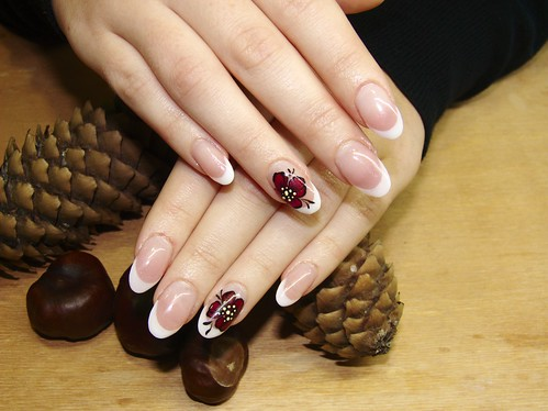 """Vadvirágos"" francia köröm / French nails with"