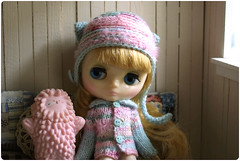 with pink friend ^^ (megipupu) Tags: doll handmade knit blythe middie treeson megipupu