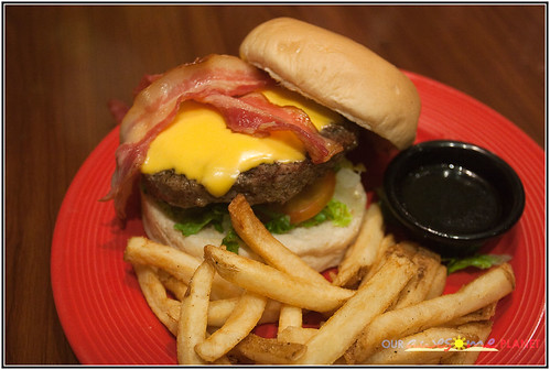 TGI Friday's Jack Daniel's Burger (P495)