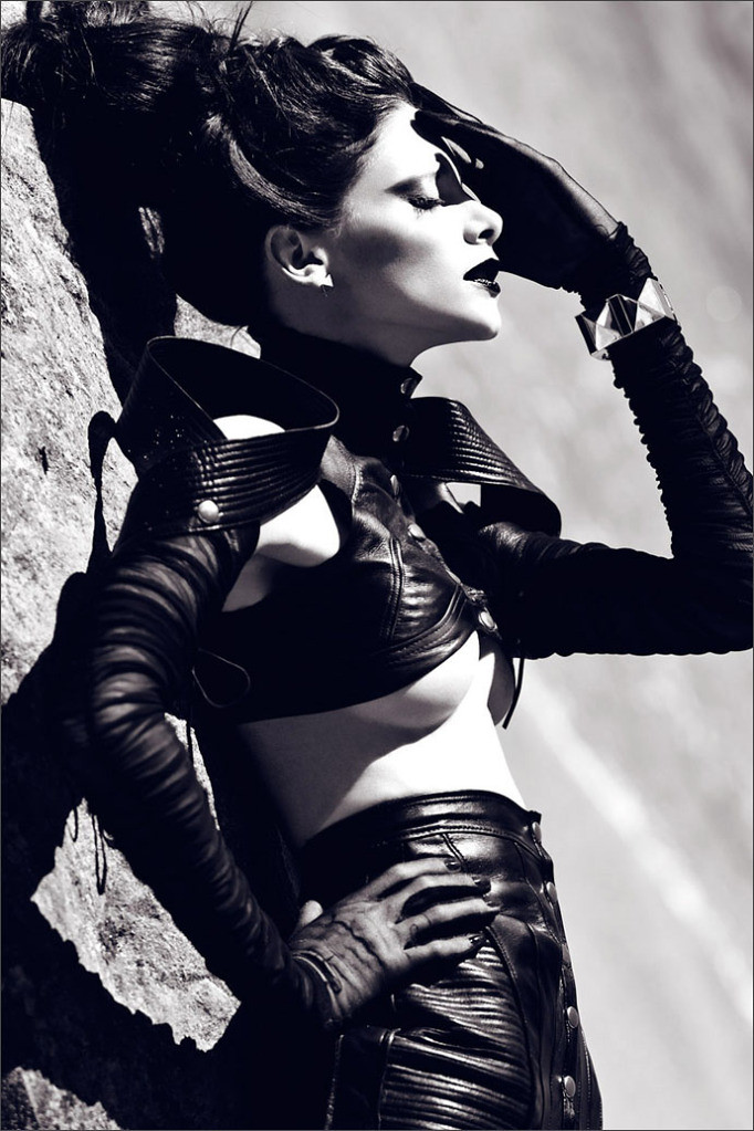 denise in mother of london Photos by zhang jingna 1