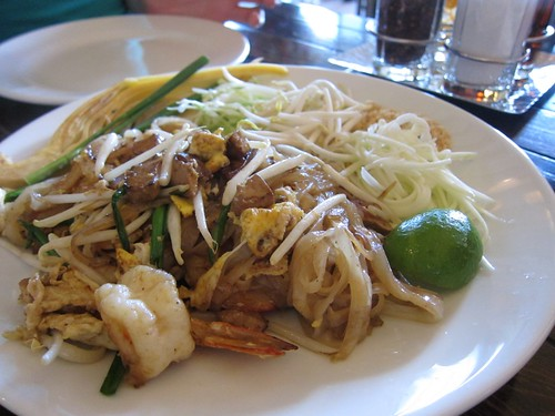 pad thai (mas sushal this time)