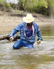 34 WS Kneeling wet cowboy looking to share some fun (Wrangswet) Tags: swimming wranglers riverhiking swimmingfullyclothed wetjeans guysinwetjeans wetladz wetwranglers wetcowboy wetcowboys swimminginjeans wetcowboyboots wetwranglerjeans meninwetjeans swimmingincowboyboots