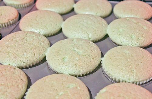 Pandan Chiffon Cupcakes-4