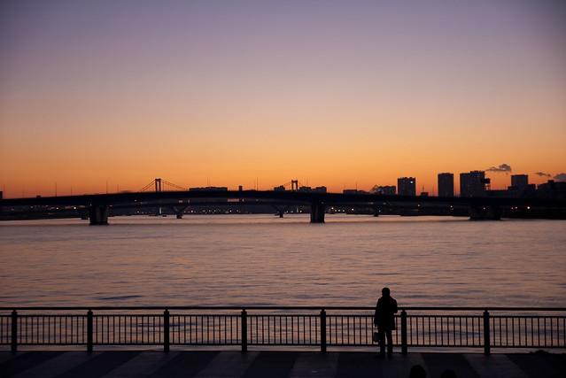 湾岸の夕暮れ