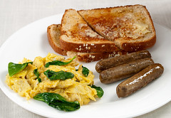 365 Breakfasts-365: Vegetarian (Walter Ezell) Tags: breakfast toast sausage vegetarian eggs 365 spinach scrambledeggs zd 50mmmacro20