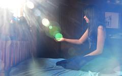 Blue light in my magic room (Larissa Grace.) Tags: blue light sun verde luz sol azul raios solares room magic grace quarto brunette menina ninon larissa cabelo vestido morena mgico bolinha iluminao encantado d90
