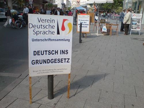 deutsch-grundgesetz-01337