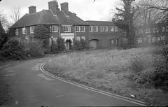 Rentokil (David Cowie) Tags: uk homes england abandoned home closed empty hp5 6x9 care nursing hertfordshire urbex baldock ilfordhp5plus rentokil lc29 ilfotec ihageeautoultrix baldockmanor nouvita