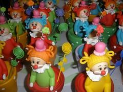 Vasinhos Porta-Foto - Palhacinhas (Adriana Mendes) Tags: lembrana biscuit criana festa carrinho colorido portarecado portafoto primeiroano topodebolo palao
