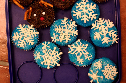 Blue Snowflake Cupcakes