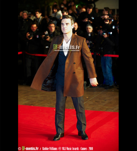 Robbie Williams @ NRJ Music Awards 2010, Cannes by www.e-metis.fr