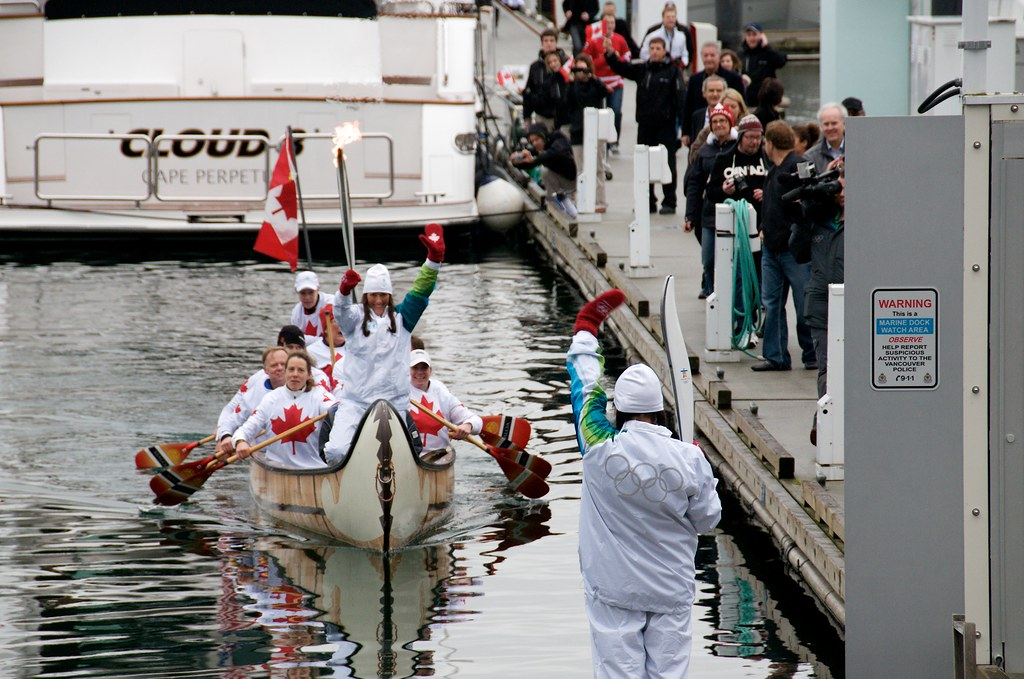 Traditional Canoe Delivers the Torch to the Docks at Yaletown