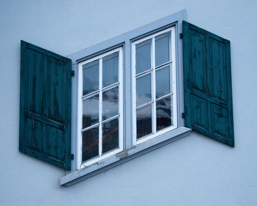 Zig-Zag window