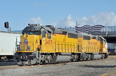 Union Pacific EMD GP40-2 locomotives 1457 and 1407, east end, Tucson Yard, Arizona, January 14, 2010 (Ivan S. Abrams) Tags: railroad up train trains goods unionpacific motive freighttrains railyard railways railroads railyards freighttrain uprr shuntingyard unionpacificrailroad electricnikon d700 onlythebestare ivansabrams trainplanepro countysouthern ivanabrams shuntingyards traingoods trainsarmour yellowharbor graytucspnarizonapima arizonasoutheast arizonaemdgeelectromotive dieselelectro dieselgeneral abramsandmcdanielinternationallawandeconomicdiplomacy ivansabramsarizonaattorney ivansabramsbauniversityofpittsburghjduniversityofpittsburghllmuniversityofarizonainternationallawyer