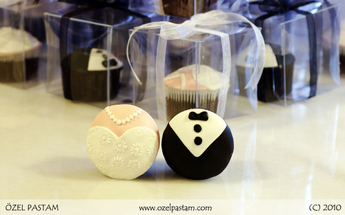 Gelin ve Damat Kapkekleri / Bride and Groom Cupcakes