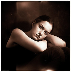* (pixelwelten) Tags: portrait art analog mediumformat photography fotografie kunst hamburg sensual medium format nah analogue emotional delicate intimate mittelformat intim sinnlich sinnliche nachhaltig pixelwelten emotionale rdigerbeckmann bestportraitsaoi elitegalleryaoi wwwpixelweltende beyondvanity jenseitsvoneitelkeit ruedigerbeckmann