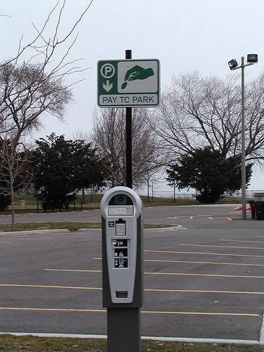 lakefront03-24-10southshoreparking