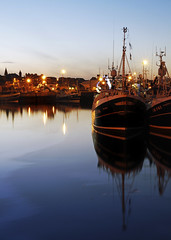 Fraserburgh Harbour Evening 3 (w11buc) Tags: canon boats evening fishing aberdeenshire harbour gloaming fraserburgh 5photosaday greatscot eos7d 1585mmisusm