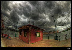 Return to the mystery of the pier (Asi75er) Tags: city travel clouds photoshop canon eos pier bilbao elements nubes embarcadero bizkaia euskalherria hdr euskadi bilbo basquecountry paisvasco photoshopelements erandio gasolino 400d canoneos400d
