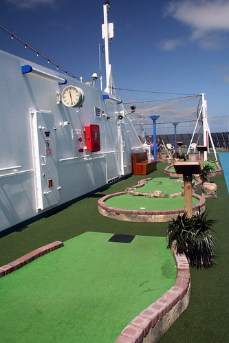 Carnival Spirit - Mini-Golf (Starboard)