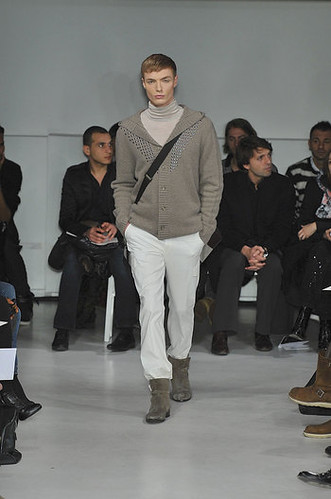 Brandon Wilson3023_FW10_Paris_Francesco Smalto(nikestav10@mh via unopan)