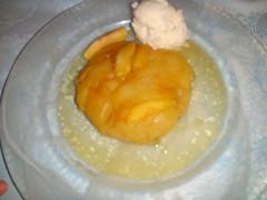 Tarta de manzana templada con helado de vainilla