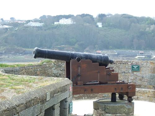 gun cannon castlecornet