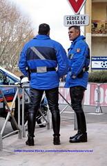 IMG_4126.ID (bootsservice) Tags: paris leather uniform boots motorcycles moto yamaha uniforms garde escort bottes helmets motos uniforme motocycle gendarme cuir motards breeches gendarmerie uniformes escorte tallboots casques republicaine