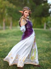 Princess Zelda (The Legend of Zelda) (gbrummett) Tags: cosplay az fantasy zelda canonef85mmf12liiusmlens canoneos5dmarkiicamera freestoneparkgilbertarizona princesszeldathelegendofzeldaprincesszelda princesszeldazerudahimeisfromthelegendofzeldaseries