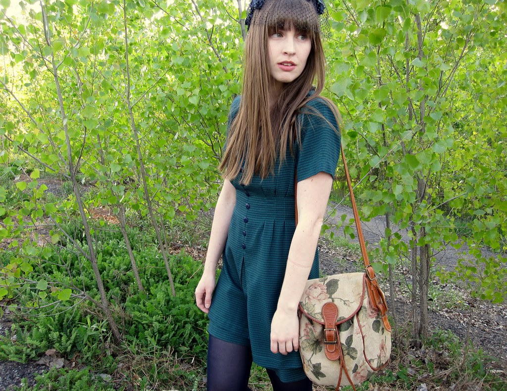 outfit 1 green dress floral bag
