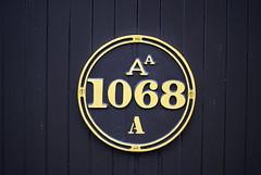 1068 (sbub) Tags: wordless
