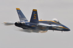 United States Navy (USN) Blue Angels - McDonnell Douglas F/A-18A Hornet - BuNo 162437 - Blue Angel 5 - New York Air Show - Rehearsal - Jones Beach - May 27, 2010 264 RT CRP (TVL1970) Tags: airplane geotagged nikon aircraft aviation longisland hornet boeing ge blueangels usnavy usn jonesbeach vapor militaryaviation generalelectric fa18 mcdonnelldouglas navalaviation unitedstatesnavy fa18hornet gp1 d90 jonesbeachstatepark fa18a mcdonnelldouglasfa18ahornet prandtlglauert f404ge400 newyorkairshow boeingfa18hornet boeingfa18ahornet fa18ahornet f404 nikond90 nikkor70300mmvr 70300mmvr gef404 mcdonnelldouglasfa18hornet blueangel5 nikongp1 generalelectricf404 unitedstatesnavyflightdemonstrationsquadron buno162437 2010newyorkairshow gef404ge400 prandtlglauerteffect