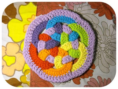 woven circles trivet