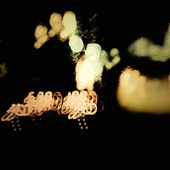( ottoelpiloto ) Tags: rain lluvia bokeh manhattan taxi letsgotobed lottekestner
