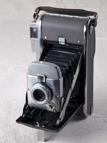 Polaroid Land Camera Model 80, 1971-76  1