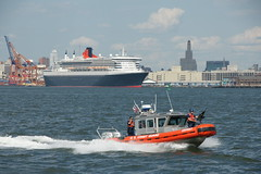 Coast Guard Escort (David Wong 6) Tags: nyc coastguard ny si small queenmary2 statenislandferry responseboat sooc sal18250