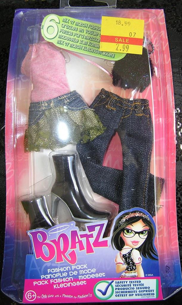 Bratz Clothes Pack