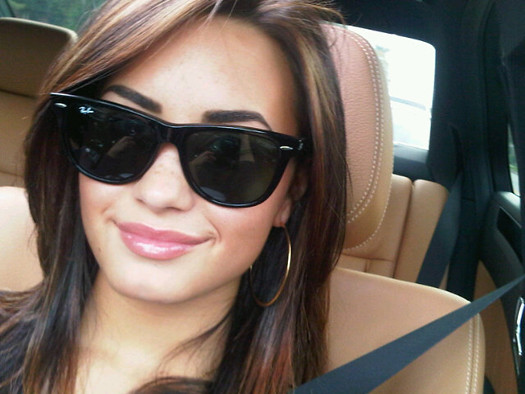 Demi-Lovato-Light-Hair