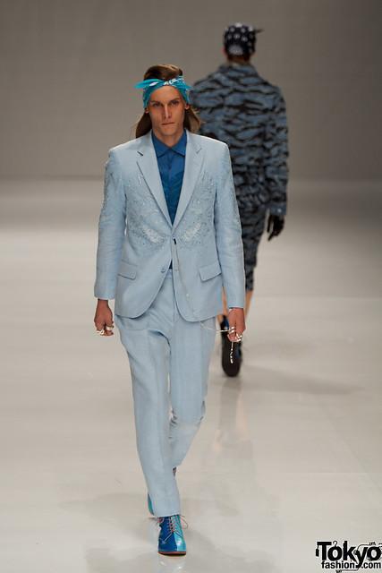 Tomek Szczukiecki3221_SS11_Tokyo_PHENOMENON(Fashionsnap)