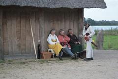 Abendliche Gesprächsrunde mit dänische Wikinger in Haithabu Wikinger Museum WHH 25-09-2010