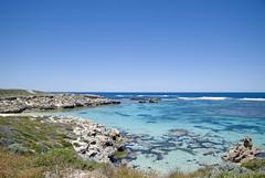 12.10.2010 - Rottnest Island (Perth) - 12 (matteo.bondioli) Tags: sea rock island reflex nikon mare zoom blu digitale australia shore cielo perth western nikkor azzurro spiaggia vr rottnest scogli ble obiettivo bech 1685 d80